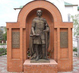 Памятник князю Олегу Вещему в Переяславле-Хмельницком